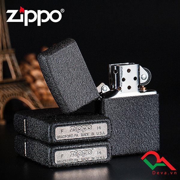 Bật lửa zippo chính hãng sơn mài đen Z01