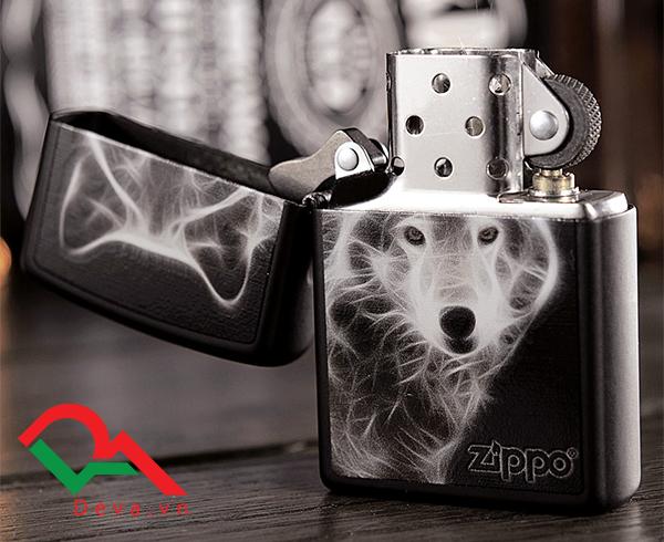 zippo hình con chó sói đẹp sơn mài