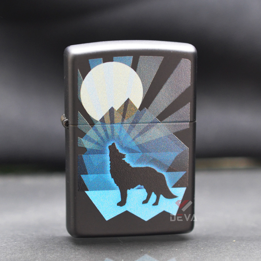 Zippo Wolf And Moon Design Z10
